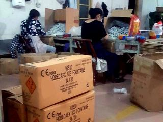 De productie van de indoor ijsfonteinen van HorecaFX in speciaal geselecteerde vuurwerkfabrieken in China